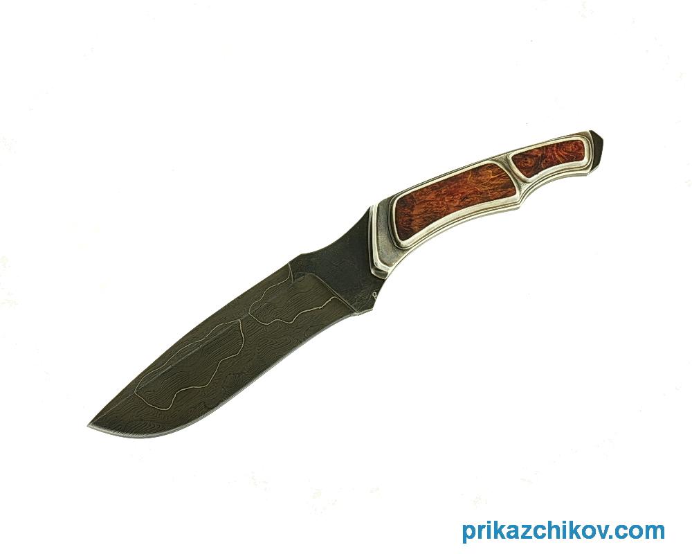 Авторский нож Хищник из ламинированной стали, рукоять серебро с вставками из стабилизированного капа