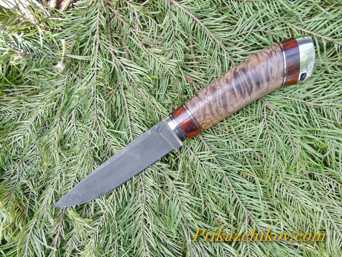 Нож из тигельного литого булата N10